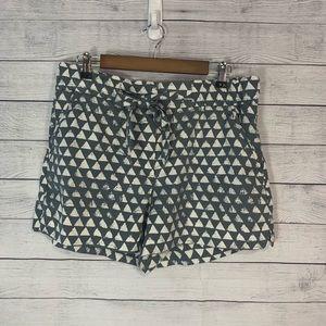 Loft tie-waist lyocell triangle print short~ 12